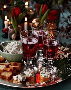 Cava (Spanish wine) w/ cranberries and a salmon dip recipe