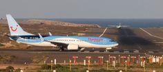 "Puerto de Las Palmas.Spotter.Aeropuerto Gran Canaria     : Thomson G-TAWR Brand New Boeing 737-8K5   ""Spotter..."