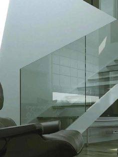 Garde-corps d'intérieur / en verre / à panneaux / pour escalier NINFA S vetraria pescini