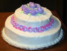 Wilton Cake Decorating Class Wilton Decorating Tips, Cake Decorating Classes, Cake Decorating Tutorials, Cookie Decorating, Decorating Ideas, Decor Ideas, Basket Weave Cake, Royal Icing Flowers, Decorator Frosting