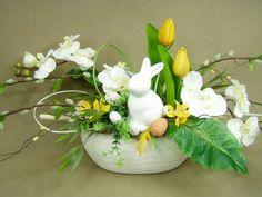 BAZIE ZAJĄCZEK tulipany żółte (840) stroik na duży stół sztuczne kwiaty stroiki na wielkanoc Kompozycje kwiatowe Marko604