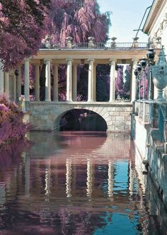 Bridge at Lazienki Palace in Warsaw, Poland Beautiful Architecture, Art And Architecture, Ancient Architecture, The Places Youll Go, Places To Visit, Palace Garden, Aesthetic Pictures, Aesthetic Wallpapers, Beautiful Places