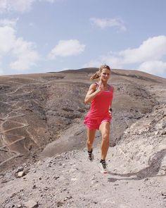 It's the pace that kills never the distance. Ultrarunner : @simplifythegetgoing - #getofftheroad #trailchix #runforlife #skyrunning #runnerscommunity #runnerslife #runhappy #runninggirl #runningwoman #iloverunning #runforlife #strongwomen #seekthewild #alpinebabes #inspiringwomenrunners #roadtoironman #roadtoanultra #runshots #ultrarunner #endurance #trail #lanzarote #marathon #ilovetorun #outdoors #triathlonworld #springa #journeycoach #uthållighet #löpning