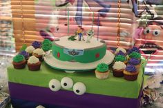 Buzz Lightyear birthday cake- this looks more like my speed!!