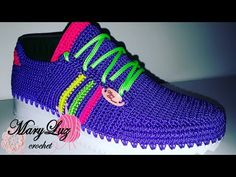 ZAPATILLA DEPORTIVA MODELO KIM - YouTube Crochet Boots, Crochet Slippers, Crochet Clothes, Make Your Own Shoes, Shoe Boots, Shoes Sandals, Knitting Stiches, Knit Shoes, Crochet Girls