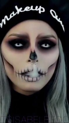 50 of the best scary but cute Halloween makeup - Halloween / . - 50 of the best scary but cute Halloween makeup – Halloween / … – Halloween Make-up und Kleide - Makeup Clown, Creepy Makeup, Makeup Art, Evil Makeup, Beauty Makeup, Zombie Makeup, Voodoo Doll Makeup, Werewolf Makeup, Ghost Makeup