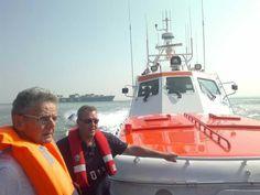 KNRM @knrm KNRM Breskens aanwezig bij @Sail de Ruyter. Word donateur en vaar net als deze gasten mee op de reddingboot Zeemanshoop