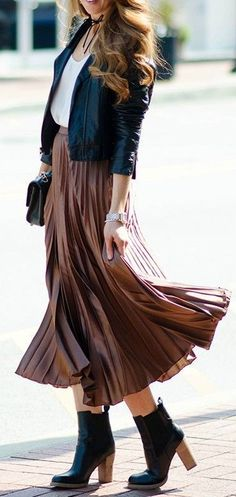 #fall #street #style | Black And White + Camel Pleats