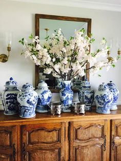 The Enchanted Home Love contest and a wonderful prize! - The Enchanted Home - The Effective Pictures We Offer You About diy home decor A quality picture can tell you many thing - Blue And White Vase, White Vases, White Kitchen Decor, White Decor, Hamptons Style Decor, Enchanted Home, Chinoiserie Chic, Blue China, Ginger Jars