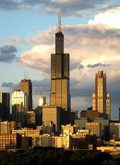 The Willis Tower (in Chicago, Illinois, USA) is 110 stories high. It was the tallest building in the world from 1973 to The skyscraper features expansive views of Chicago from its Skydeck. When I lived in the Chicago area it was known as the Sears Tower. Chicago Loop, Moving To Chicago, Chicago Illinois, Chicago Chicago, Chicago School, Chicago Photos, Chicago Travel, Chicago Skyline, Willis Tower