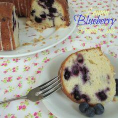 Chocolate, Chocolate and more...: Lemon Blueberry Pound Cake