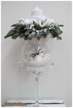 Use glass cups to make beautiful Christmas ornaments … – Flowers Desing Ideas Christmas Flowers, Christmas Candles, Christmas Wreaths, Christmas Ornaments, Glass Ornaments, Christmas Cookies, Christmas Arrangements, Christmas Centerpieces, Xmas Decorations
