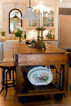 kitchen island made with reclaimed wood