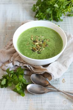 Delicious Vegan Recipes, Vegetarian Recipes, Coconut Milk Soup, Vegan Soups, Vegan Food, Spinach Soup, A Food, Meals, Cooking