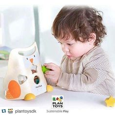 Encajar formas es una manera divertida de aprender  #plantoys #encajablebuho #cucutoys http://ift.tt/1UTfCEf