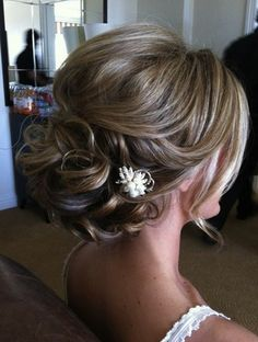 A Gorgeous Classic Updo