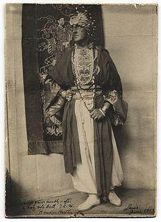 Citation: Marsden Hartley in costume for the Society Arts Ball, 1913 June / unidentified photographer. Rockwell Kent papers, Archives of American Art, Smithsonian Institution.