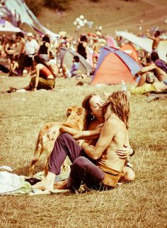 hippie love!  The next music festival me and jake will tak a picture like this<3