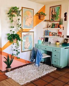 Home Interior Design One of the coolest home offices I've ever seen - Innenarchitektur Schlafzimmer - Aesthetic Room Decor, Home Decor, House Interior, Apartment Decor, Room Decor, Aesthetic Rooms, Retro Home, Home Interior Design, Chic Home Decor