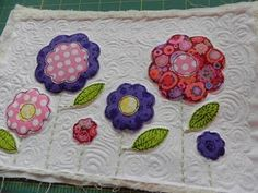 Rose of Sharon - Mug Rug Tutorial with AccuQuilt GO! Baby