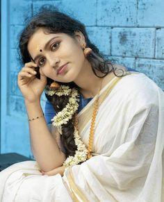 Beautiful Girl Indian, Most Beautiful Indian Actress, Beautiful Actresses, Cute Beauty, Beauty Full Girl, Beauty Women, South Indian Actress Hot, Indian Girls Images, Saree Photoshoot