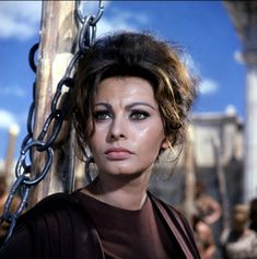 "Sophia Loren en ""La Caída del Imperio Romano"" (The Fall of the Roman Empire) dirigida por Anthony Mann, 1964"