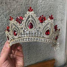 Bridal Crown, Bridal Tiara, Wedding Reception Attire, Red Quinceanera Dresses, Diamond Crown, Princess Tiara, Quince Dresses, Circlet, Bridal Jewelry Sets