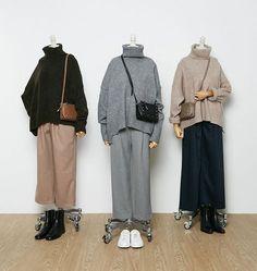 Sweater with a high collar, comfortable trousers. Sweater with a high collar, comfortable trousers. Street Hijab Fashion, Muslim Fashion, Korean Fashion, Hijab Fashion Inspiration, Mode Inspiration, Casual Hijab Outfit, Casual Outfits, Hijab Chic, Dress Casual