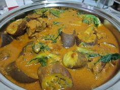 Filipino Food Recipes, Oxtail Kare Kare with Peanut Sauce. Be sure to check out more great recipes at: http://authenticfilipinorecipes.com