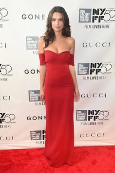 Emily Ratajkowski is basically the definition of lady in red <3