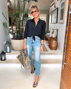 Source by de moda mujer madura Fashion Mode, Fashion Over 50, 80s Fashion, Modest Fashion, Look Fashion, Korean Fashion, Fashion Outfits, Fashion Tips, Fashion 2018