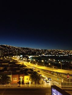 Valparaiso Chile, Paris Skyline, Travel, Lugares, Viajes, Chili Powder, Traveling, Chilis, Trips