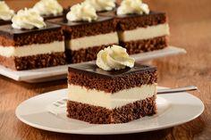Sprawdzony przepis na Wuzetka. Wybierz sprawdzony przepis eksperta z wyselekcjonowanej bazy portalu przepisy.pl i ciesz się smakiem doskonałych potraw. Food Cakes, Cupcake Cakes, Cupcakes, Chocolate, Vanilla Cake, Tiramisu, Cake Recipes, Cheesecake, Cooking Recipes