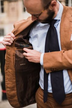 http://chicerman.com  billy-george:  That suit styling though!  #streetstyleformen