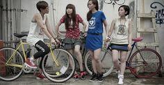 http://charikichi.tumblr.com/post/28117404603/fixed-gear-girl-taiwan