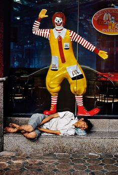 Juxtapositions | Steve McCurry