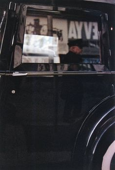 Chauffeur, 1955 | Early Color | Saul Leiter