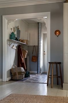 Mudroom, My Dream Home, Oversized Mirror, Entryway, House Ideas, Cottage, Design, Furniture, Organize