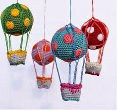 móbile de balões em crochê, Mimos & Box
