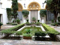 Patio de las Conchas. Uno de los patios más bellos y un remanso de paz dentro del Museo de Bellas Artes de Sevilla