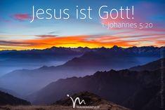 """""""Und wir wissen: Der Sohn Gottes ist zu uns gekommen, damit wir durch ihn Gott kennen lernen, der die Wahrheit ist. Nun sind wir eng mit dem wahren Gott verbunden, weil wir mit seinem Sohn Jesus Christus verbunden sind. Ja, Jesus Christus ist selbst der wahre Gott. Er ist das ewige Leben."""" 1. Johannes 5:20  #1johannes #1johannes5 #johannes #gott #jesus #christus #sohn #herr #wahr #kennenlernen #wahrheit #ewig #leben #vertrauen #zuspruch #gewissheit #glaube #glaubensimpulse #bibel…"""