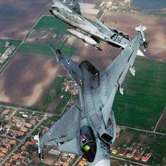 #decomil #gripen #saab #jas39 #pilot #plane #green #sky #skyporn #skylovers #fly #flaying #flag #flagcase #flagstaff #coin #coinholder #amazon #America #ebay #Army #navy #military #SemperFi #air #l4l #follow4follow #goodmorning