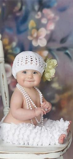 so cute baby,i love you very much and your pearl necklace. So Cute Baby, Cool Baby, Baby Kind, Baby Love, Cute Kids, Cute Babies, Baby Baby, Pretty Baby, Precious Children