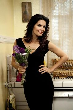 Angie Harmon plays tough Detective Jane Rizzoli on Rizzoli & Isles. She fits the part perfectly.