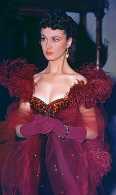 Gone With the Wind Old Hollywood Glamour, Vintage Hollywood, Hollywood Stars, Classic Hollywood, Vintage Outfits, Vintage Fashion, Films Cinema, Vivien Leigh, Fantasy Dress