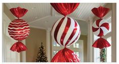 43 Oversized Outdoor Christmas Ornaments that Santa will see Your House from a Mile Away Commercial Christmas Decorations, Office Christmas Decorations, Candy Decorations, Nutcracker Christmas Decorations, Whoville Christmas, Whimsical Christmas, Christmas Holidays, Christmas Bulbs, Christmas Yard