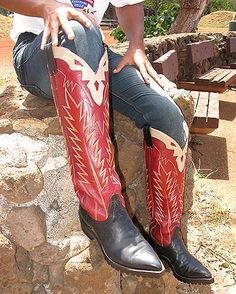JUST PLAIN RED HOT! FINE CUSTOM-DESIGNED SUPER-THICK-SOLED BOOTS! SEP. '16 Custom Cowboy Boots, Cowgirl Boots, Western Boots, Cowboy Love, Cowboy Art, Man Boots, Cool Boots, Mens Heeled Boots, Buckaroo Boots