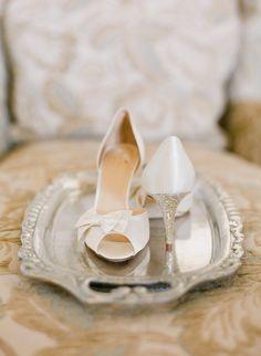 Photography: Jen Fariello Photography - jenfariello.com  Read More: http://www.stylemepretty.com/2015/04/07/elegant-winter-wedding-at-pippin-hill-vineyard/