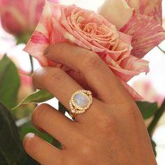 Weekend necessities  #dropdeadgorgeous  #ericacourtney #opal #showmeyourrings #jewelrystateofmind  #lovegold #luxury #luxurybyjck #jewelry #jewelrydesign #jewels #diamond #diamonds #custom #love #stunning #beautiful #color #finejewelry #highendjewels #ringoftheday #dreamring #losangeles #gemstones #blingbling