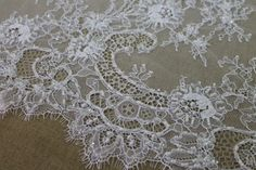 Beaded Chantilly Lace - White Single Scallop